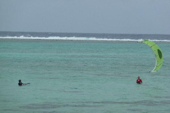 LEK Rarotonga : Assisted launch