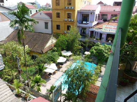 Halo Guesthouse: view from terrase