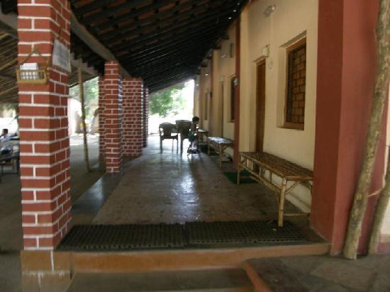Saguna Baug: Dormitory Room
