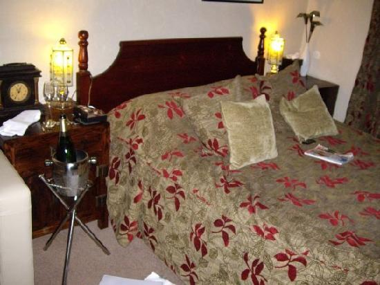 The Howbeck: Beautiful Bed