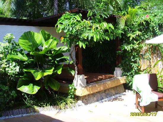 Bandara Resort & Spa: the sun loungers in villas