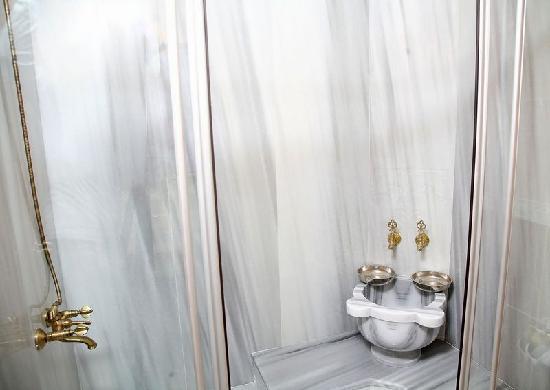 Albatros Premier Hotel: Albatros Premier Suites Bath