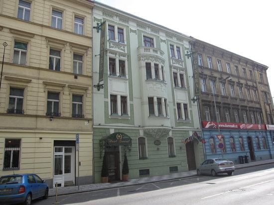Hotel General: facciata dell'hotel