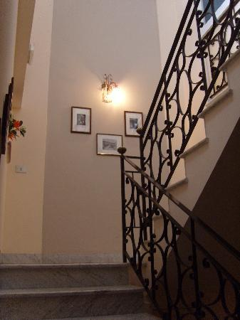 Don Valerio B&B: stairs upto the apartment