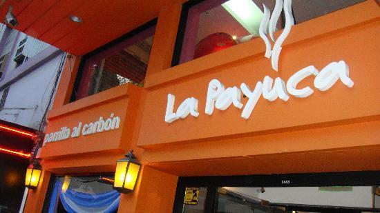Foto de la payuca buenos aires fachada restaurante for Fachada para restaurante