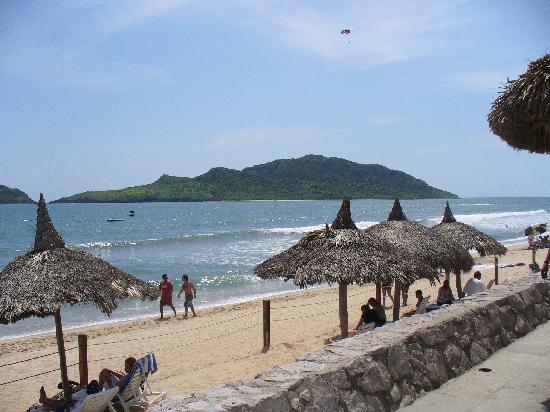 Ramada Resort Mazatlan: playa muy limpia