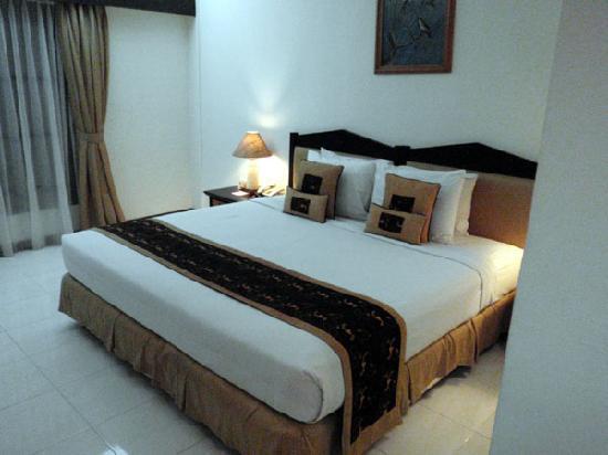 Risata Bali Resort & Spa: Wベッド