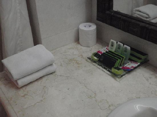 Risata Bali Resort & Spa: バスタオル、フェイスタオル、足拭きタオルがあります