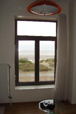 B&B Blanches Voiles : 3 fenêtres avec vue sur la mer.  Un vrai bonheur.