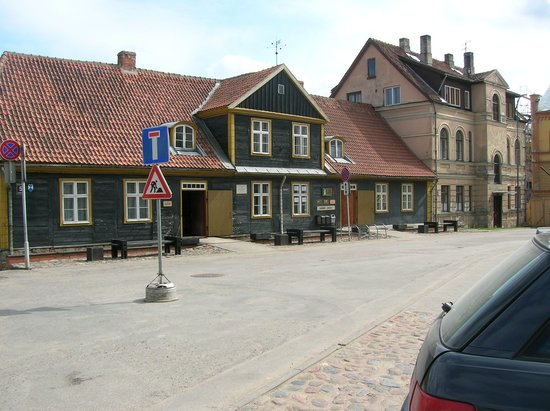 Sunny Hill Bed & Breakfast: Main Street of Kuldiga