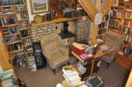 Sceal Eile Books : inside