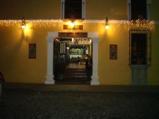 Hotel Posada Del Hermano Pedro: frente del hotel