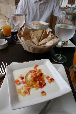 Xeliter Golden Bear Lodge: Breakfast