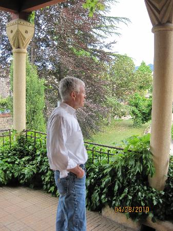 Villa Lafabregue: GDB on porch outside our room