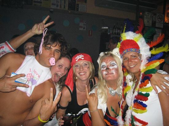 Backpackers Inn on the Beach at Byron Bay: Dress up party time