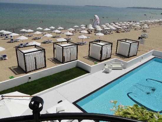 Dune Hotel: pool view