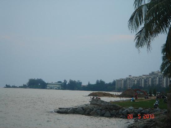 Klebang Beach Resort: No beach, only sea :-(