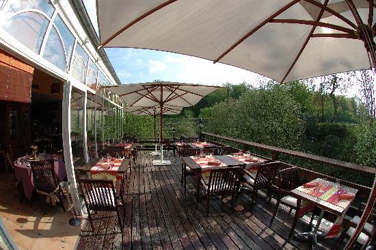 Auberge du Manet: terrasse exterieure