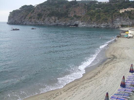 Hotel Tritone Wellness Center: la spiaggia