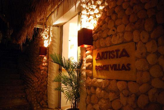 Artista Beach Villas: Resort Entrance