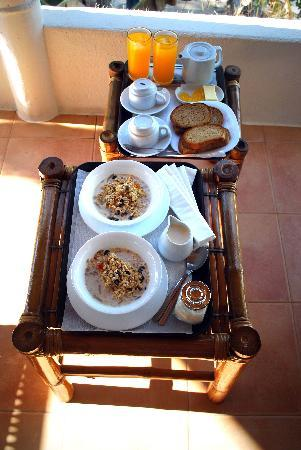 Artista Beach Villas: Breakfast Feast on Room Balcony