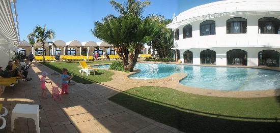 Cabana Beach Resort Family Pool Area