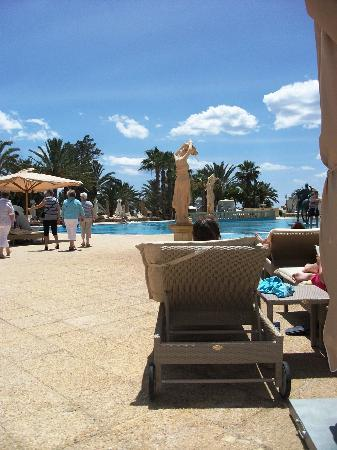 Hotel Palace Hammamet Marhaba: Main Pool During the Day