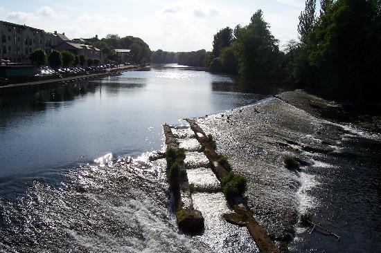 The Grand Hotel Fermoy : View of the River Blackwater from Fermoy Bridge