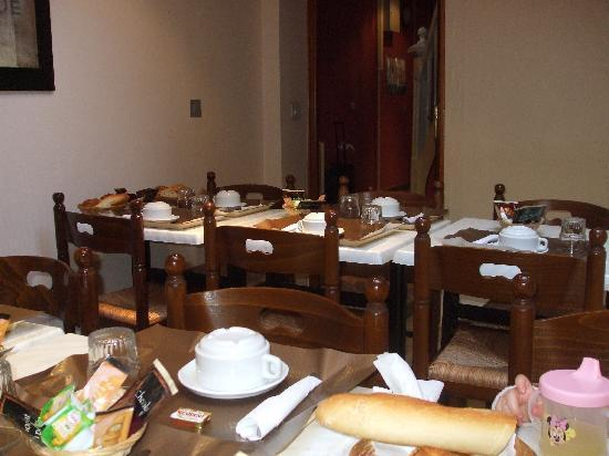 Hotel Musset: breakfast room