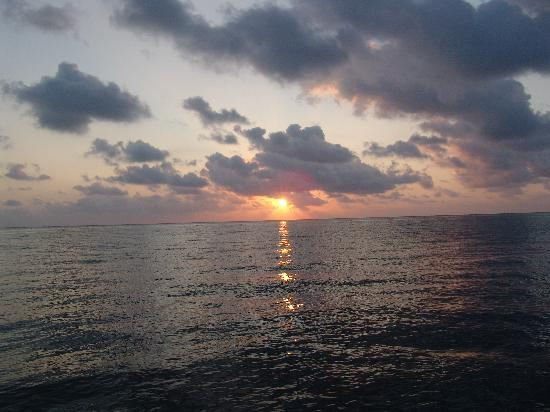 Almond Beach Resort & Spa: Sunrise