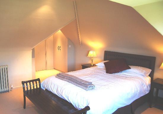 Arundel Holt Court: A bedroom