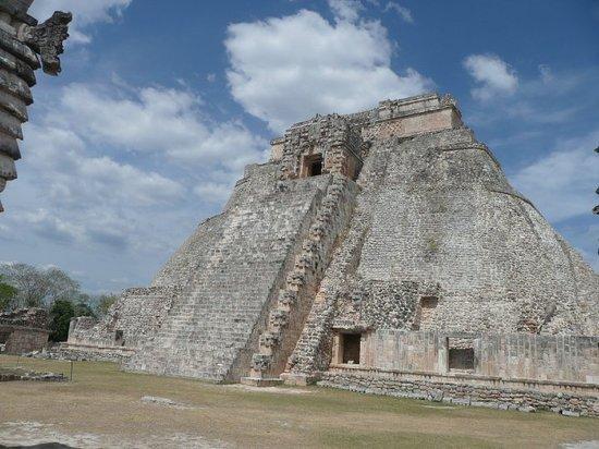 Zona Arqueologica Uxmal: main pyramid at Uxmal