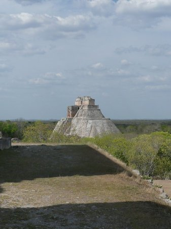 Zona Arqueologica Uxmal: View of pyramid from afar