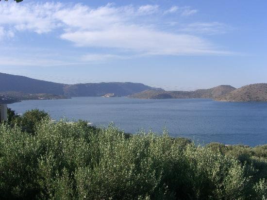 Elounda Heights Apartments and Studios : the view