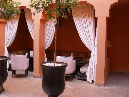 Riad Hermes: Riad Hermès patio
