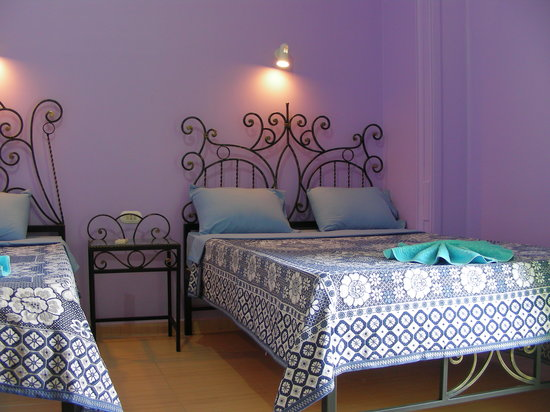 Bella Luna: Rooms are Spacious (fits a double bed and a single bed),