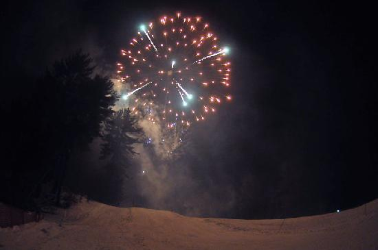 Purity Spring Resort: Check-out the fireworks on New Year's Eve or during the February vacation break!