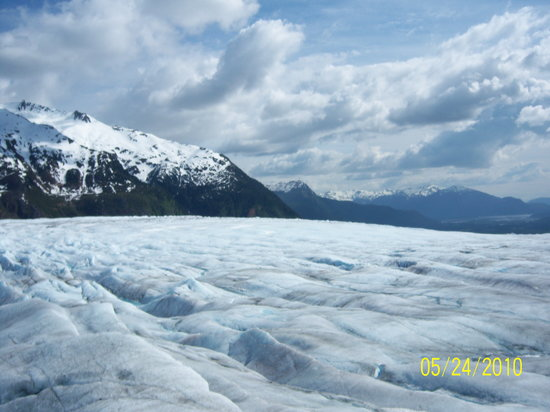 Juneau, AK: Views while on the glacier