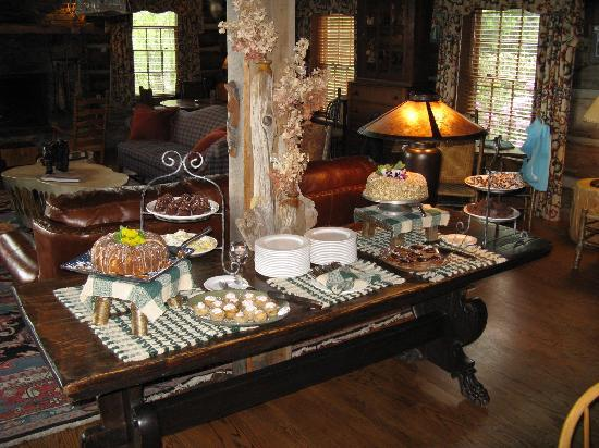 The Swag: Sunday brunch dessert buffet!