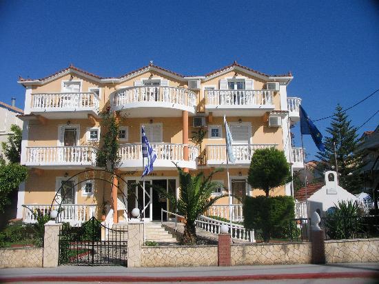 Planos Beach Hotel: Planos 3