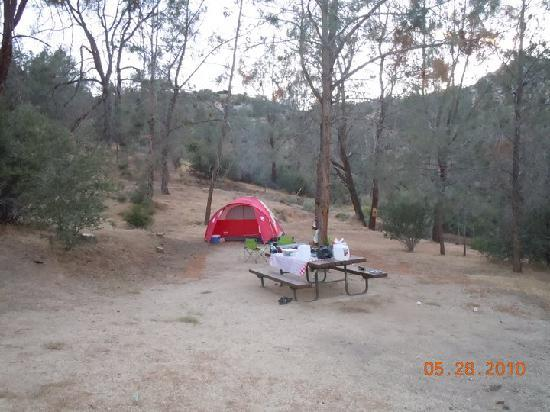 Lake Isabella, Kalifornia: Hungry Gulch Campsite