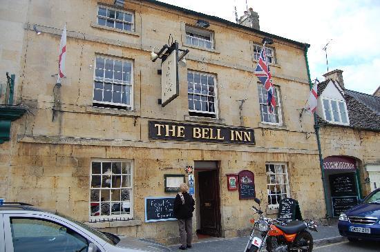 The Bell Inn: Front