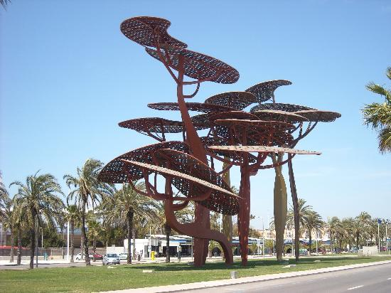 public art in la pineda picture of estival park salou la pineda tripadvisor. Black Bedroom Furniture Sets. Home Design Ideas