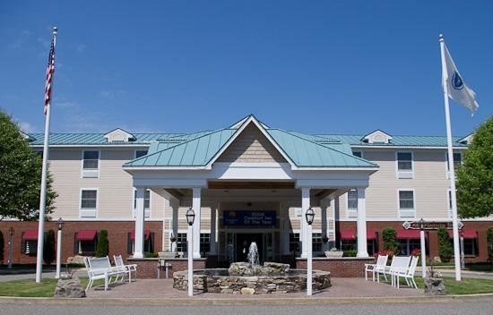 Comfort Inn & Suites: Entrance