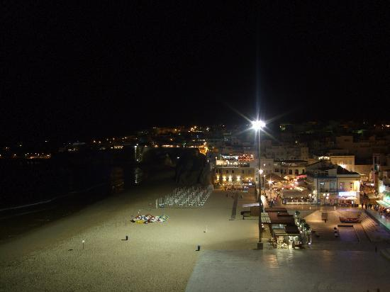 Rocamar Exclusive Hotel & Spa: The Old Town at night