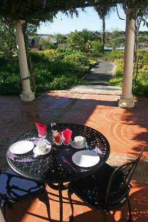 Papyrus Lodge: Our Breakfast table