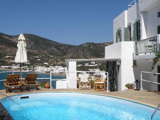 Niriedes Hotel: Hotel Pool