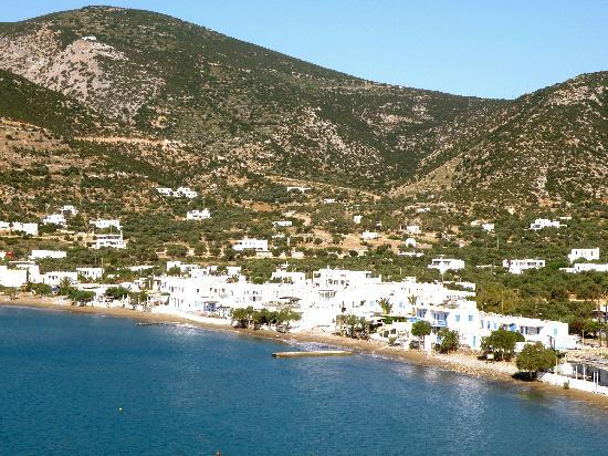 Niriedes Hotel : View of Platy Gialos Beach Area from Hotel
