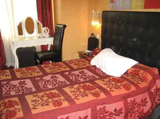 Hotel Royal Aboukir: Comfortable room for two