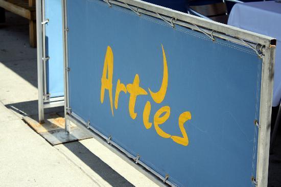 Artie's Steak & Seafood: Artie's Sign